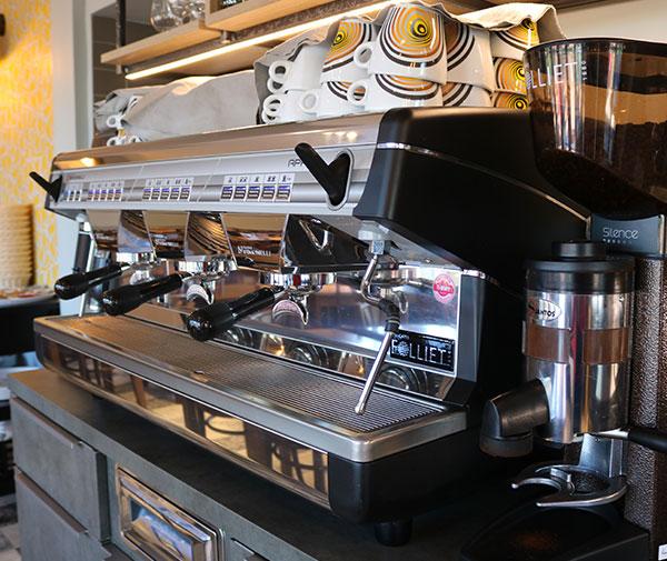cafe-comptoir-la-chopinette-francheville